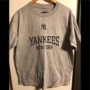 NEW York Yankees men's shirt!